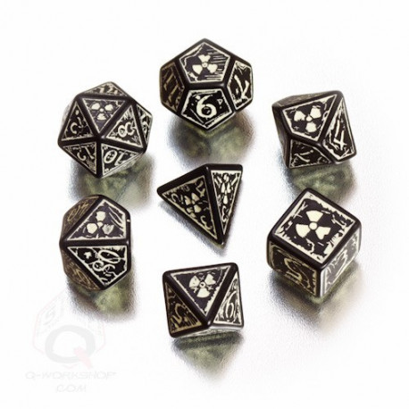 Nuke Black & glow-in-the-dark Dice Set (7)