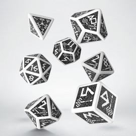 Kości RPG Krasnoludzkie Biało-czarne stare